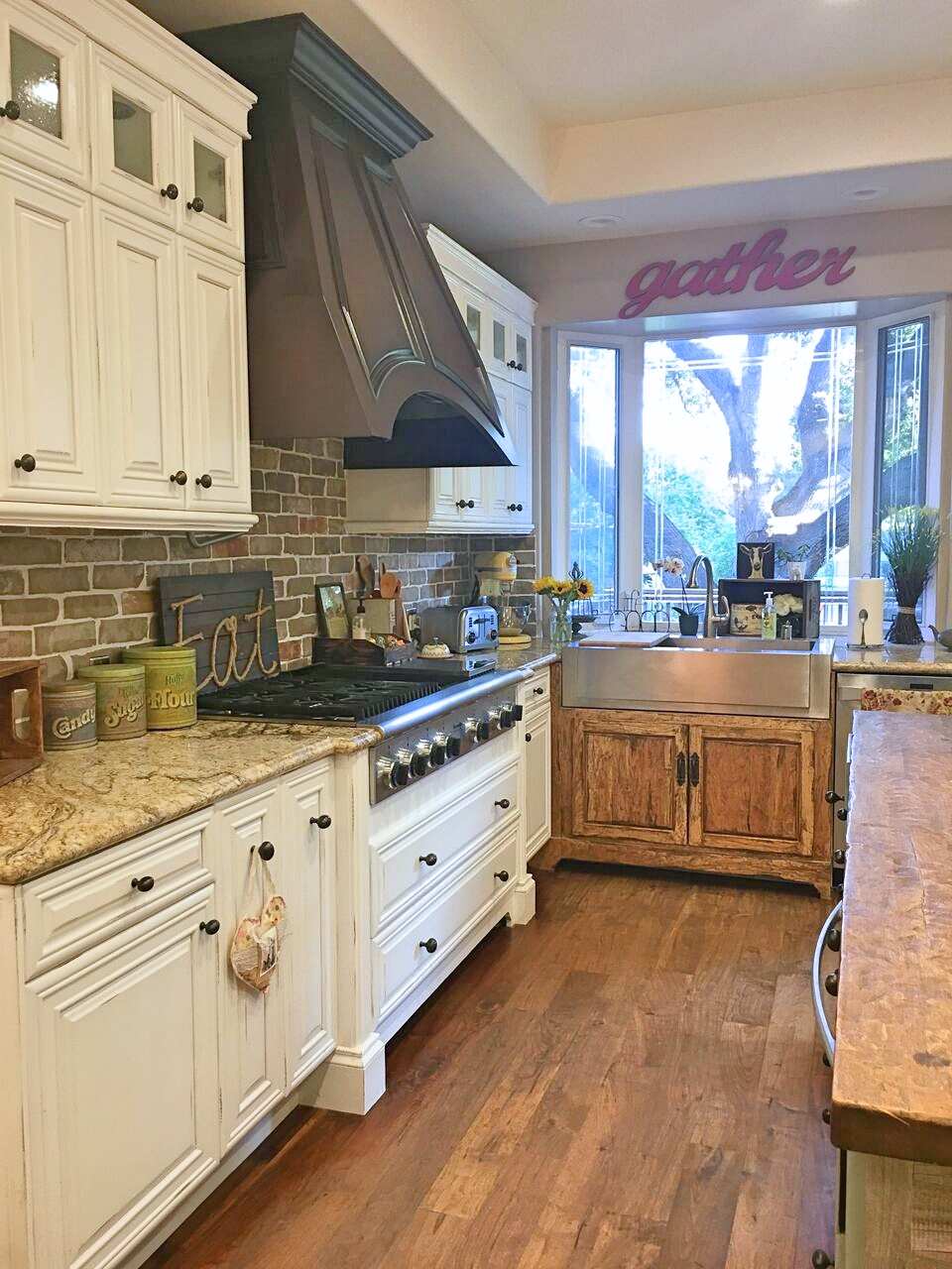 Tour Tuesday: The Privett Kitchen and Outdoor Living Room